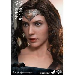 Mujer Maravilla Sexta Escala figura por Hot Toys