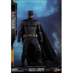 Batman (Deluxe) Sixth Scale Figure by Hot Toys