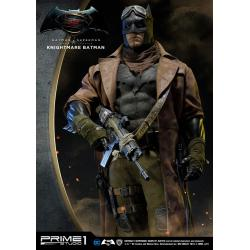 Batman v Superman Dawn of Justice Estatua 1/2 Knightmare Batman 109 cm
