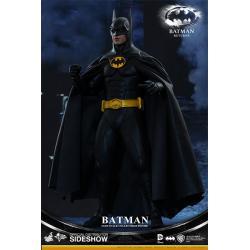 BATMAN AND BRUCE WAYNE BATMAN SIXTH SCALE