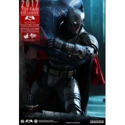 BATMAN V SUPERMAN DAWN OF JUSTICE ARMORED BATMAN ( BATTLE DAMAGED VERSION ) BEN AFFLECK 1/6TH SCALE COLLECTIBLE FIGURE 33CM TOY FAIR EXCLUSIVE 2017