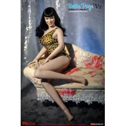 Queen of Pinups: Bettie Page 1:6 Scale Action Figure