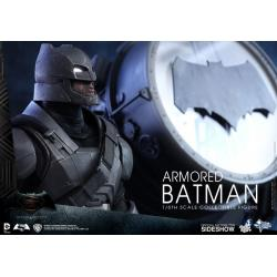 DC Comics: Armored Batman Sixth Scale Figure