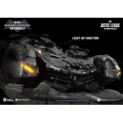 Justice League War Estatua Master Craft Batmobile 40 cm