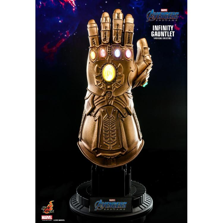 AVENGERS: ENDGAME INFINITY GAUNTLET 1/4TH SCALE COLLECTIBLE
