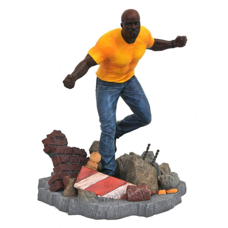 The Defenders Marvel TV Gallery Estatua Luke Cage 23 cm