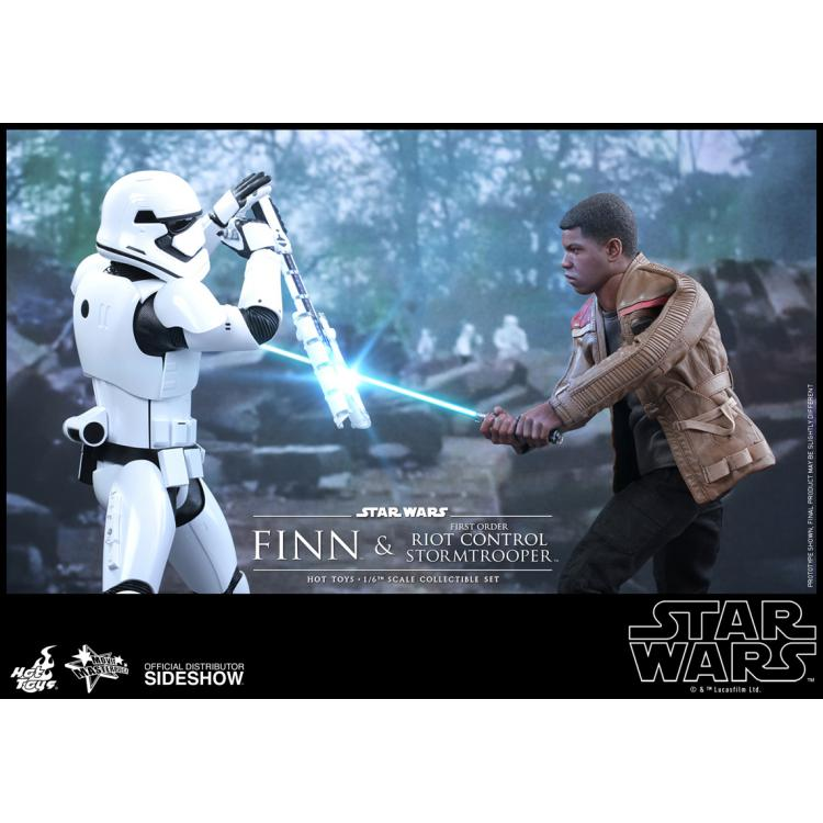 Star Wars The Force Awakens: Finn and Riot Stormtrooper 1:6 scale Set