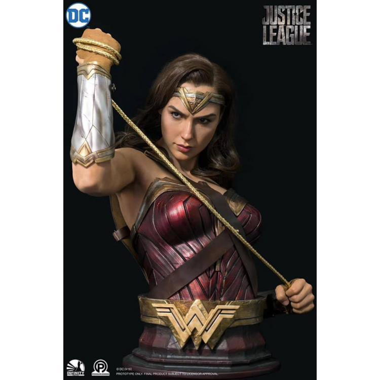 Justice League Life-Size Bust Wonder Woman 73 cm