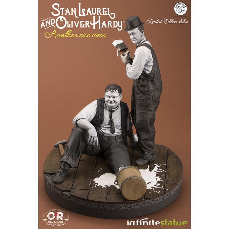 LAUREL & HARDY NICE MESS OLD&RARE STATUE INFINITY STATUE